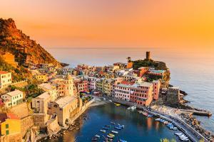 Cinque Terre, Italy. by sorincolac
