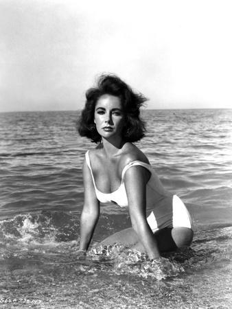https://imgc.allpostersimages.com/img/posters/soudain-l-ete-dernier-suddenly-last-summer-1959-by-joseph-l-mankiewicz-with-elizabeth-taylor-b_u-L-Q1C1Z3W0.jpg?artPerspective=n