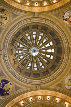 https://imgc.allpostersimages.com/img/posters/south-dakota-state-capitol-interior-pierre-south-dakota-usa_u-L-PN6XUO0.jpg?p=0