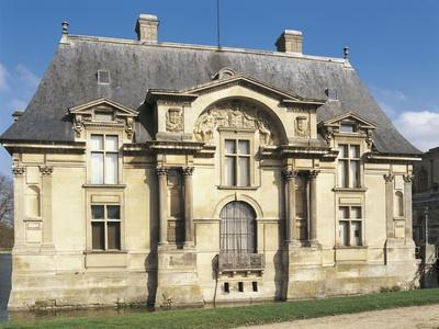 https://imgc.allpostersimages.com/img/posters/south-facade-of-petit-chateau-1560_u-L-PP3LL30.jpg?p=0