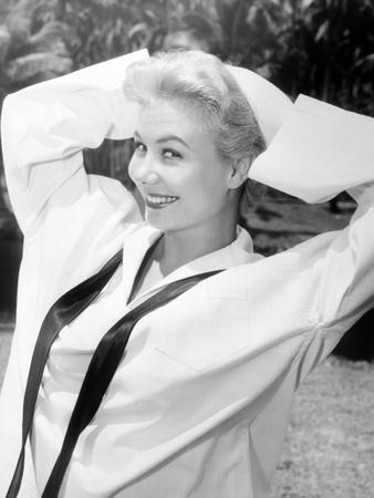 https://imgc.allpostersimages.com/img/posters/south-pacific-mitzi-gaynor-1958_u-L-PH2ZXE0.jpg?artPerspective=n