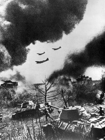https://imgc.allpostersimages.com/img/posters/soviet-tanks-and-aircraft-launching-an-attack-russia-1943_u-L-PTTLRQ0.jpg?p=0