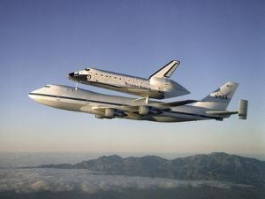 Space Shuttle Atlantis on Custom 747 Flies to Kennedy Space Center after Refurbishment, Sep 1, 1998