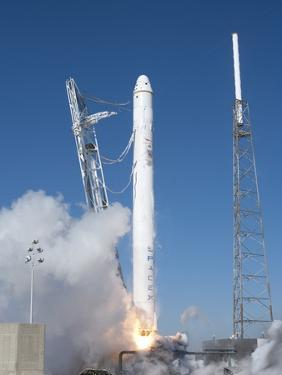 Spacex?S Falcon 9 Rocket and Dragon Spacecraft Lift Off from Cape Canaveral Air Force Station