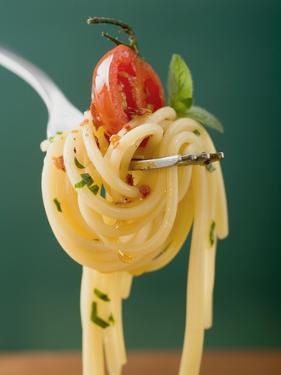 Spaghetti with Cherry Tomato on Fork