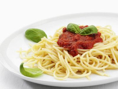 https://imgc.allpostersimages.com/img/posters/spaghetti-with-tomato-sauce-italy-europe_u-L-P91NQ70.jpg?p=0
