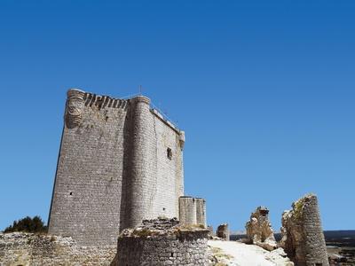 https://imgc.allpostersimages.com/img/posters/spain-iscar-castle-built-in-15th-century_u-L-POZRAH0.jpg?p=0