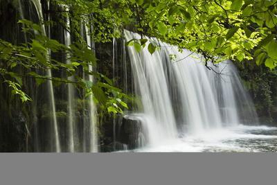 https://imgc.allpostersimages.com/img/posters/sqwd-ddwli-waterfall-brecon-beacons-wales-united-kingdom-europe_u-L-PQ8NAZ0.jpg?p=0