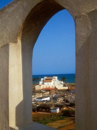 https://imgc.allpostersimages.com/img/posters/st-george-s-castle-through-arched-window-at-st-jago-fort-elmina-castle-elmina-ghana_u-L-P585CK0.jpg?artPerspective=n