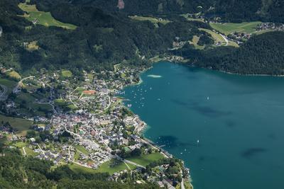 https://imgc.allpostersimages.com/img/posters/st-gilgen-wolfgangsee-austria-salzburg-state-salzkammergut_u-L-Q11YMBS0.jpg?p=0