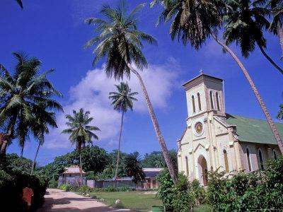 https://imgc.allpostersimages.com/img/posters/st-mary-s-church-and-palm-trees-seychelles_u-L-P588100.jpg?p=0