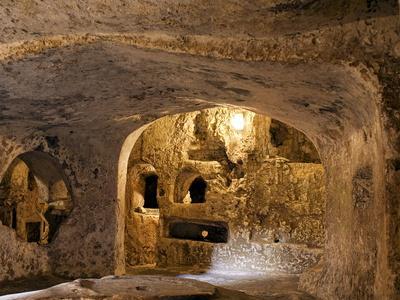 https://imgc.allpostersimages.com/img/posters/st-paul-s-catacombs-rabat-malta-europe_u-L-PFNOTS0.jpg?p=0