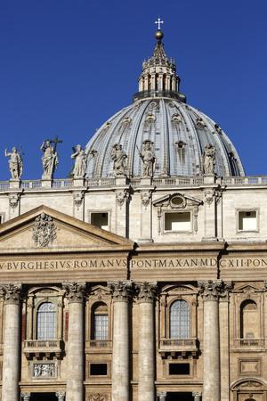 https://imgc.allpostersimages.com/img/posters/st-peter-s-basilica-vatican-city-rome-lazio-italy_u-L-PWFDJI0.jpg?p=0