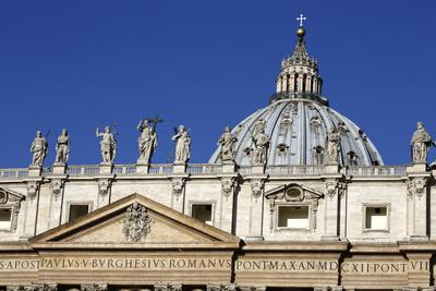 https://imgc.allpostersimages.com/img/posters/st-peter-s-basilica-vatican-city-rome-lazio-italy_u-L-PWFKEF0.jpg?p=0