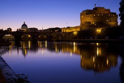 https://imgc.allpostersimages.com/img/posters/st-peters-basilica-river-tiber-and-castel-d-angelo-in-twilight-rome-lazio-italy-europe_u-L-PQ8QDB0.jpg?p=0