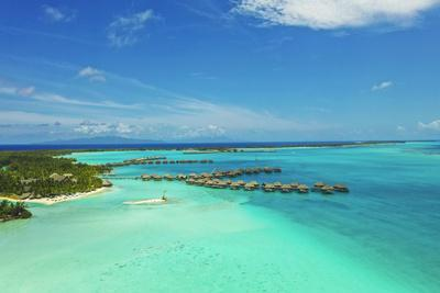 https://imgc.allpostersimages.com/img/posters/st-regis-bora-bora-resort-bora-bora-society-islands-french-polynesia-south-pacific_u-L-Q1H1YV30.jpg?artPerspective=n