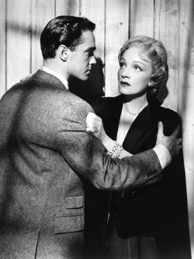 STAGE FRIGHT, 1950 directed by ALFRED HITCHCOCK Richard Todd / Marlen Dietrich (b/w photo)