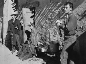 STAGECOACH, 1939 directed by JOHN FORD John Wayne Claire Trevor (b/w photo)