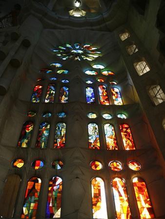 https://imgc.allpostersimages.com/img/posters/stained-glass-in-sagrada-familia-barcelona-catalonia-spain-europe_u-L-PFNVK00.jpg?p=0