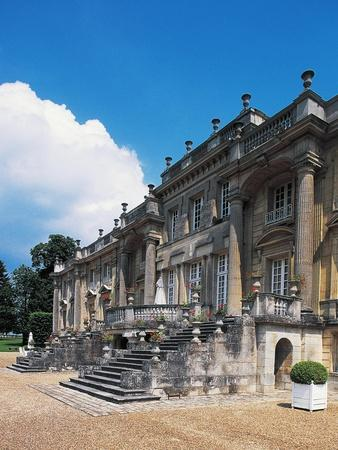 https://imgc.allpostersimages.com/img/posters/staircase-at-entrance-chateau-de-versigny_u-L-PPBENK0.jpg?p=0