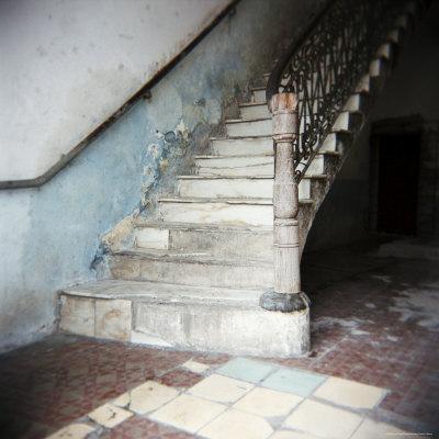 https://imgc.allpostersimages.com/img/posters/stairway-in-apartment-block-cienfuegos-cuba-west-indies-central-america_u-L-P2QT0D0.jpg?p=0