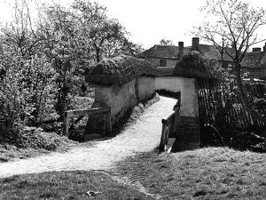 Blewbury Walls by Staniland Pugh