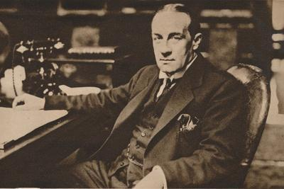 https://imgc.allpostersimages.com/img/posters/stanley-baldwin-newly-elected-prime-minister-of-the-united-kingdom-may-1923-1935_u-L-Q1EFA0E0.jpg?artPerspective=n