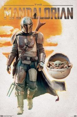 Star Wars: The Mandalorian - Mando And The Child Walking