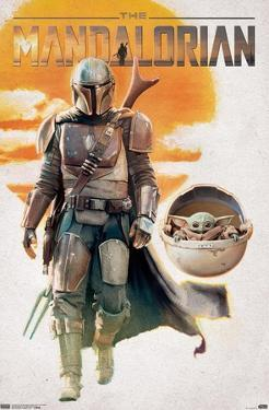 Star Wars: The Mandalorian - Mando And The Child Walking