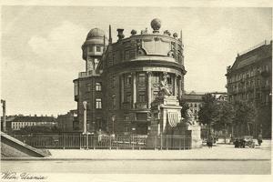 Postcard, Historical, Vienna, Urania, National Education House, B/W by Starfoto