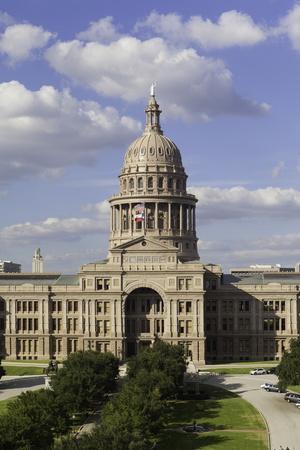 https://imgc.allpostersimages.com/img/posters/state-capital-building-austin-texas-united-states-of-america-north-america_u-L-PQ8OTZ0.jpg?p=0