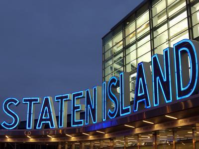 https://imgc.allpostersimages.com/img/posters/staten-island-ferry-lower-manhattan-manhattan-new-york-city-new-york-state-usa_u-L-PXU2ZE0.jpg?p=0