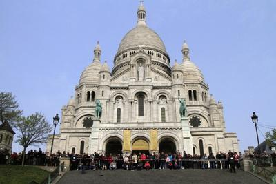 https://imgc.allpostersimages.com/img/posters/stations-of-the-cross-on-good-friday-at-the-sacre-coeur-montmartre-paris-france-europe_u-L-PNGI640.jpg?p=0