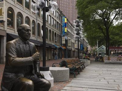 https://imgc.allpostersimages.com/img/posters/statue-in-quincy-market-at-faneuil-hall-marketplace-boston-massachusetts_u-L-P1K1SZ0.jpg?p=0