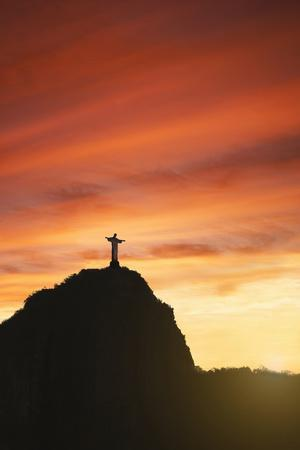 https://imgc.allpostersimages.com/img/posters/statue-of-christ-the-redeemer-at-sunset-corcovado-rio-de-janeiro-brazil-south-america_u-L-PXXG9D0.jpg?p=0