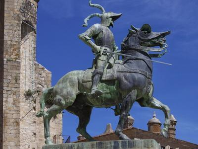 https://imgc.allpostersimages.com/img/posters/statue-of-francisco-pizarro-plaza-mayor-trujillo-extremadura-spain-europe_u-L-PFNIG70.jpg?p=0