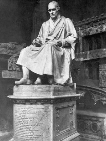 https://imgc.allpostersimages.com/img/posters/statue-of-inventor-james-watt_u-L-PZOTAU0.jpg?artPerspective=n