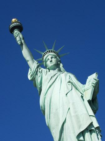 https://imgc.allpostersimages.com/img/posters/statue-of-liberty-liberty-island-new-york-city-new-york-usa_u-L-P1KD250.jpg?p=0