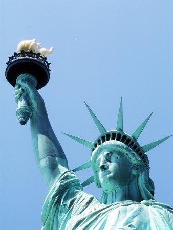 https://imgc.allpostersimages.com/img/posters/statue-of-liberty-new-york_u-L-P5F7WN0.jpg?p=0