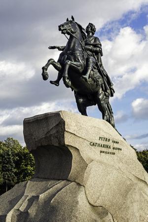 https://imgc.allpostersimages.com/img/posters/statue-of-peter-the-great-in-st-petersburg-russia_u-L-PWFR8U0.jpg?p=0
