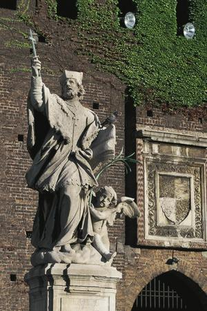 https://imgc.allpostersimages.com/img/posters/statue-of-st-john-of-nepomuk-main-courtyard-of-sforza-castle-milan-lombardy-italy_u-L-PRBLKO0.jpg?p=0