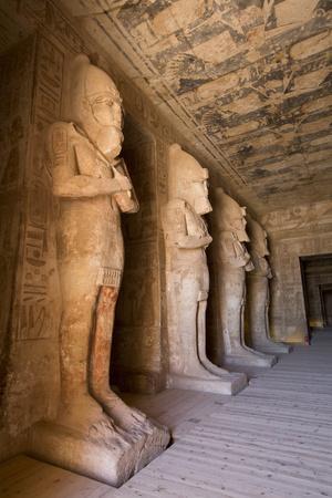 https://imgc.allpostersimages.com/img/posters/statues-of-ramses-in-the-osiris-postion_u-L-PWFT240.jpg?artPerspective=n