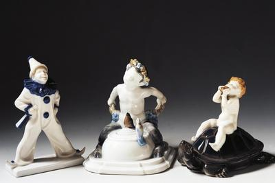 https://imgc.allpostersimages.com/img/posters/statuettes-of-bacchus-pierrot-and-putto-ceramic_u-L-PRKOQV0.jpg?p=0