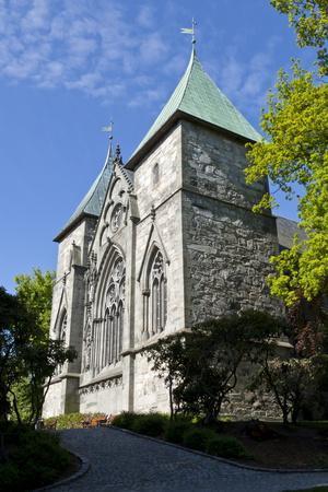 https://imgc.allpostersimages.com/img/posters/stavanger-cathedral-and-trees-stavanger-norway-scandinavia-europe_u-L-PQ8RYZ0.jpg?artPerspective=n