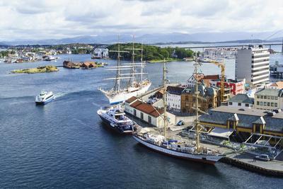 https://imgc.allpostersimages.com/img/posters/stavanger-harbour-norway-scandinavia-europe_u-L-Q12SADQ0.jpg?p=0