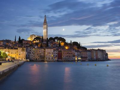https://imgc.allpostersimages.com/img/posters/steeple-rovinj-istria-croatia_u-L-Q11YM070.jpg?artPerspective=n