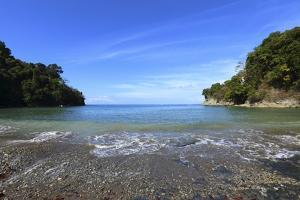 Trail on the Coast in the Manuel Antonio National Park. by Stefano Amantini