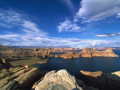 View on Padre Bay, Lake Powell, Utah, USA
