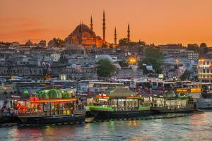 Suleymaniye Mosque and City Skyline at Sunset, Istanbul, Turkey by Stefano Politi Markovina