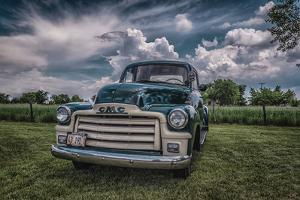 Vintage Truck by Stephen Arens